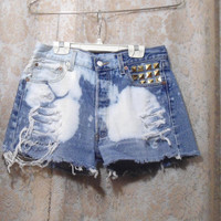 "31"" Waist Bleached Frayed Studded Button Down High Waist Jean Shorts Levis"