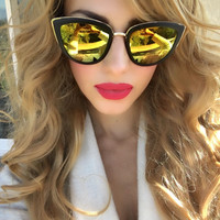 Large Vintage Cat Eye Mirrored Sunglasses - Clara