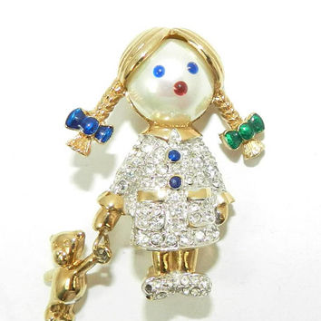 Signed Carolee Girl Brooch Pin, Pave Rhinestone Brooch, Collectible Vintage Jewelry Jewellery, Gift for her, Vintage Figural Brooch Pin