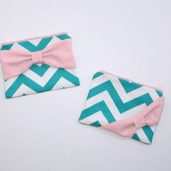 Bridesmaid Gift Set / Bachelorette Favors - Turquoise Chevron Medium Pink Bow - Wedding Cosmetic Cases - Choice of Quantity and Style