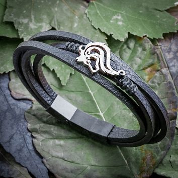 Wolf Bracelet, Fine Leather With magnetic clasp By Namecoins
