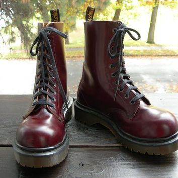 Uk 5~Rare Vintage Dark Red or Wine Steel Toe Docs -made in England-size 5 UK Runs Large =  6 US Mens = size 7.5 to 8 US womens --