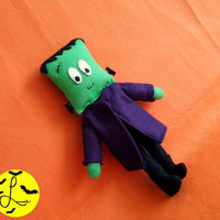 Handmade Frankenstein Monster Plushie (Halloween plush doll, small size, made of felt)