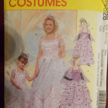 Sewing Pattern McCall's 4628 Misses' and children's witch costumes new uncut size S - XL
