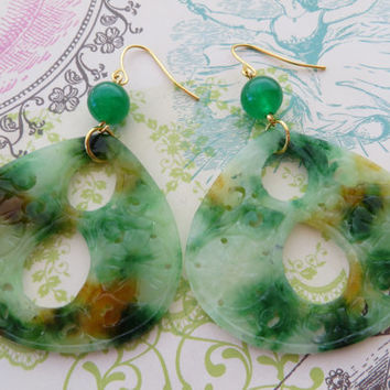 Carved green jade earrings, burma jade earrings, multicolor drop earrings, mint teardrop earrings, uk gemstone jewellery, italian jewels