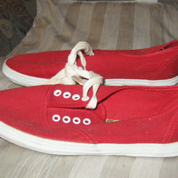 Vintage  red CANVAS ladies tennis shoes  SNEAKERS         sz  5           new w tag