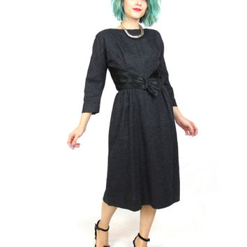 1950s Black Long Sleeve Wiggle Dress Satin Sash Bow Fitted Sheath Classic Winter Little Black Dress Retro Cocktail Party Dress  (S/M)