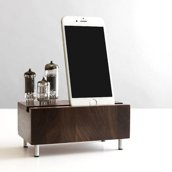 iPhone 6/6 Plus charging station Samsung Galaxy handcrafted butcher block from walnut wood with triple electron tubes