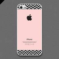 iPhone 5 Case  Chevron pattern on pink color  also by evoncase