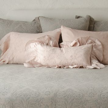 Gabriella Kidney Throw Pillow with Linen Ruffle in HEIRLOOM ROSE