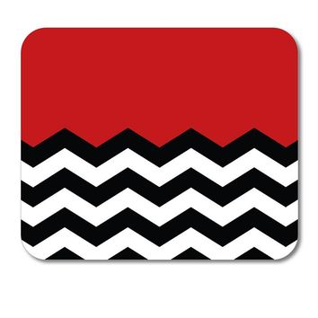 "DistinctInk Custom Foam Rubber Mouse Pad - 1/4"" Thick - Black White Red Chevron"