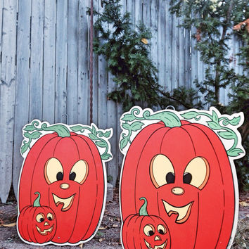 Vintage Lawn Pumpkins / Halloween Lawn Decoration Jack o Lantern / Yard Art Pumpkin Patch