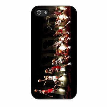 CREYUG7 Michael Jordan NBA Chicago Bulls Dunk iPhone 5 Case