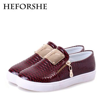 HEFORSHE Women Casual Shoes 2017 New Women's Snakeskin Pattern PU Slip-On Flat with Fashion Bling Metal Plate Shoes Woman WXD031