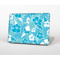 The Blue & White Hawaiian Floral Pattern V4 Skin Set for the Apple MacBook Air 13""