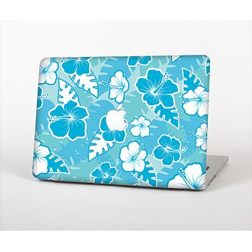 The Blue & White Hawaiian Floral Pattern V4 Skin Set for the Apple MacBook Pro 15""