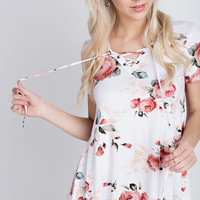 The Bell Floral Short Sleeve Top - Peach