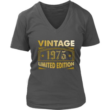 Women's Vintage 1975 43 Year Old Birthday Gift V-Neck T-Shirt
