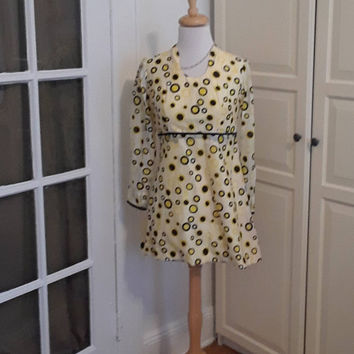 "1960s Mod Mini Dress, Yellow & Black Circle Print, Silk, Empire, Baby Doll, 60s, Size S/XS 33"" B"
