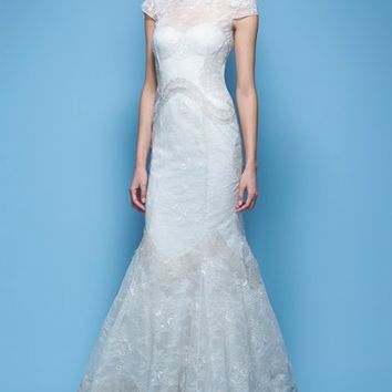 Carolina Herrera 'Jessica' Illusion Cap Sleeve Chantilly Lace Mermaid Gown (In Stores Only) | Nordstrom