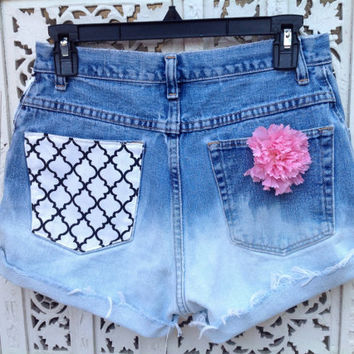 Quatrefoil Shorts High Waisted Phi Mu Sorority Ombre Effect Denim Patch Pocket Waist 28 //SuzNews Etsy Store//