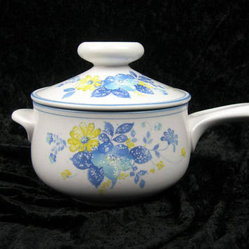 Noritake Good Times 1.25 Qt Round Covered Casserole, Vintage Progression China, 1977 to 1984, #9081 Blue and Yellow Flowers on White, Gift