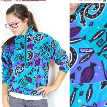 SPRING SALE Vintage Retro Blue Sealife Swirl Fish Patagonia Snap T Fleece Sweatshirt