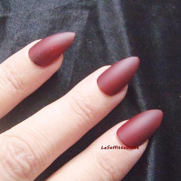 stiletto nails dark red fake nail tip red  stilleto almond pointy false nails halloween vampire lolita witch sexy drag queen lasoffittadiste