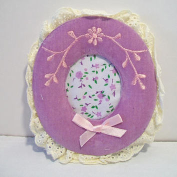 Vintage Giftco Inc Purple Velvet Oval Picture Frame 1984 Taiwan Shabby Chic Home Decor