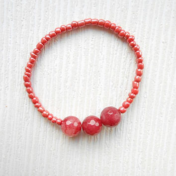 Red bracelet, red friendship, red agate, red stones, red seeds beads, friendship bracelet, red beaded, beaded bracelet, gift ideas, red gift