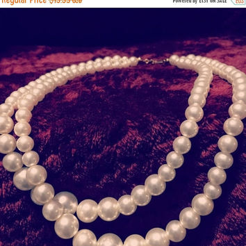 5 DAY SALE (Ends Soon) Vintage Faux Pearl Necklace