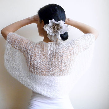 White shrug / shawl boho kimono sleeve by Accessorise on Etsy