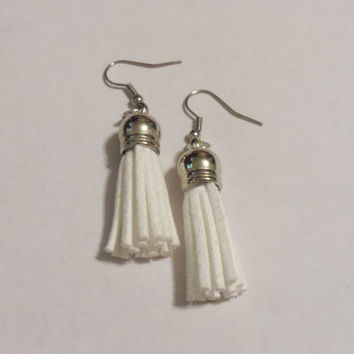 White tassel earrings, white suede tassel earring, white dangle earrings, tassel jewelry, handmade jewelry, gifts for her, suede earrings