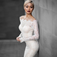 A word shoulder tail long sleeve lace dress