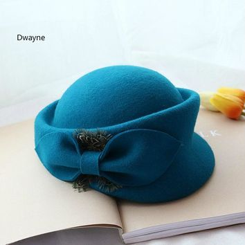 Vogue Paris Ladies Pure Wool Feather Beret Hat For Women New Fashion Autumn Bowler Hat Grey Red Wool Felt Fedora Winter Hats