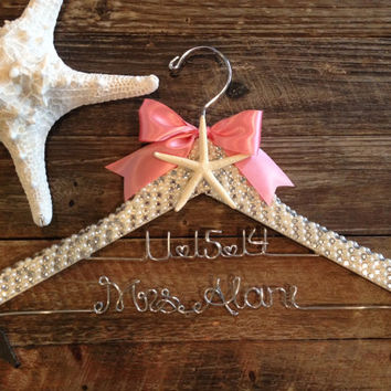 Beach Bride Hanger / Bridal BLING Hanger with Wedding Date / Bling Hanger / Beach Wedding Hanger / Personalized Name Hanger / Pearl Hanger