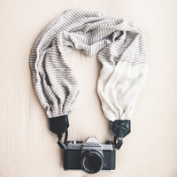 The VC Scarf Camera Strap The Felicia