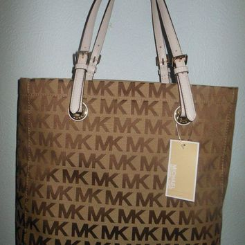 DCCKWA2 NWT MICHAEL KORS WOMENS SHOULDER BAG PURSE TOTE JET SET ITEM MK SIG JACQUARD