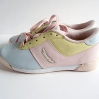 Vintage Sneakers / 80s Pastel Bass Air Sneakers Size 8