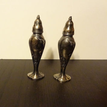 Vintage Art Nouveau Silver Plated Stanhome Set of Salt and Pepper Shakers