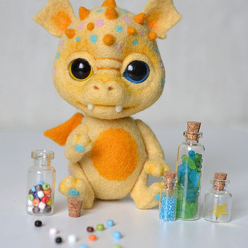 Needle felted little dragon Vanilla Candy. Sweet yellow monster. Cute creature. Collectible toy. Valentine gift.