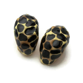 Vintage KJL Kenneth Jay Lane Enamel Cheetah Print Clip On Earrings - Animal Leopard Print Hoops Clip Earrings - Black Cream Tan