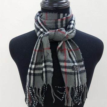 100% Authentic Burberrys London Grey Lambswool Scarf