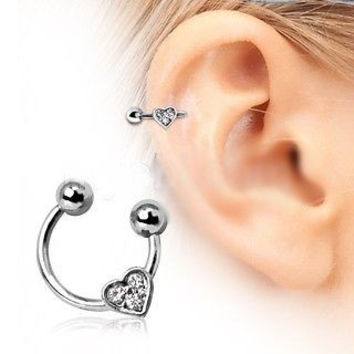 HORSESHOE CARTILAGE EARRING WITH GEMMED HEART
