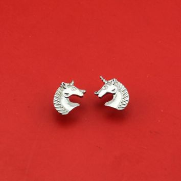 Unicorn Head Earrings Stud Design 1 Pair in Gold or Silver Color Metal