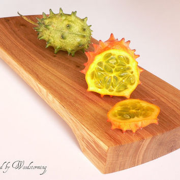 Wooden cutting board - serving tray - handmade by Woodstorming
