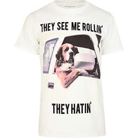 White driving dog print t-shirt