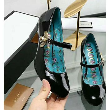 shosouvenir : GUCCI : High heels with shallow mouth shoe coarse bee word buckle cattle