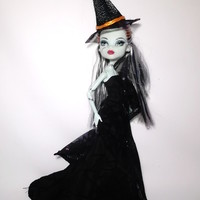 Monster High Doll Halloween Mermaid Dress Shawl and Hat