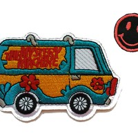 "Scooby-Doo MYSTERY MACHINE 2 1/4"" Tall Embroidered PATCH"